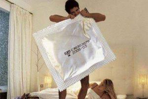 20071030084134_preservativo-gigante[1]